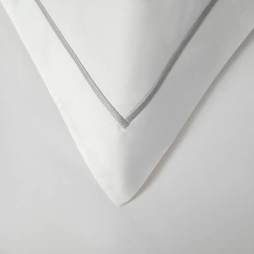 Parure de lit Amalfi de coton Égyptien 240 fils/cm² - 600TC avec Cordon Gris - Taie d'Oreiller