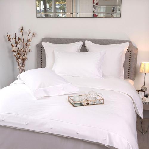 Parure de lit Monaco en satin de coton 220 fils/cm² - 550TC - liseré blanc - housse de couette avec boutons