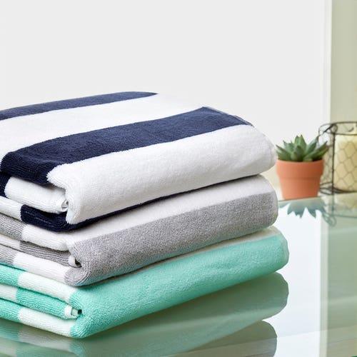 Grande serviette de piscine rayée en pur coton
